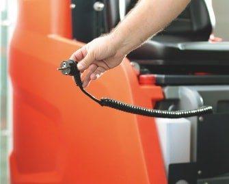 fregadora-conductor-acompañante-b120r-15