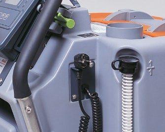 fregadora-conductor-acompañante-b70-2
